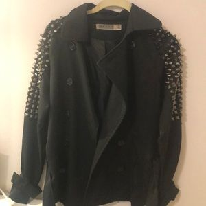 Spiked sleeve jacket
